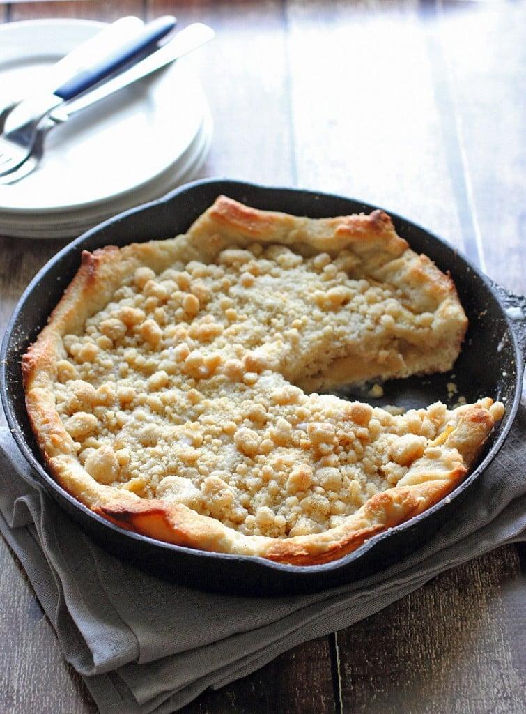 Deep Dish Apple Pizza