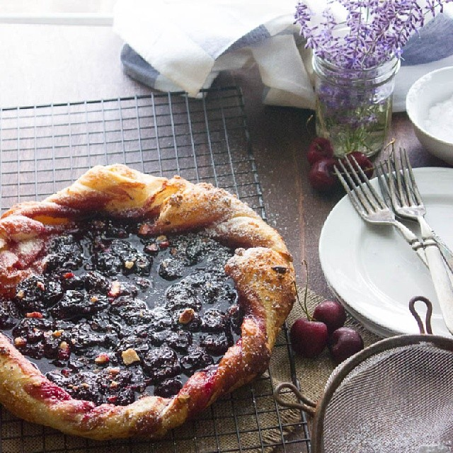 Sour Cherry and Roasted Almond Crostata made with puff pastry. On the blog today. Click on the link in the profile. #ontheblogtoday #ontheblognow #ontheblog #cherries #summer #desserts #delicious #delish #foodies #fruit #foodphotography #foodie #foodgasm #foodforfoodies #foodlovers #food #foodblogger #foodporn #photograzing #photography #picsoffood #getinmybelly #tagstagram #instagraphics #yummy