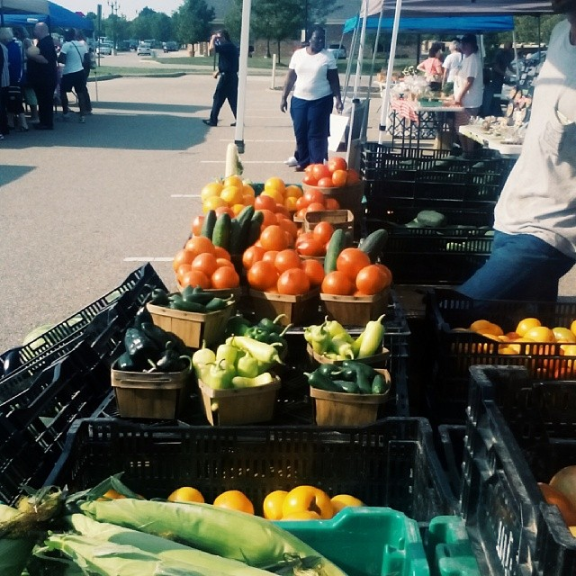 I love Farmers Markets. They make me happy. #farmersmarket #happy #tagstagram