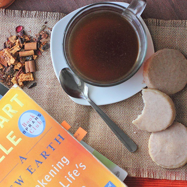 Doesn't this look like a good start of a good day? Tea cookies and @teavanatea. Heaven.  #teajourney #teavana #tea #teatime #relax #chillin #instadaily