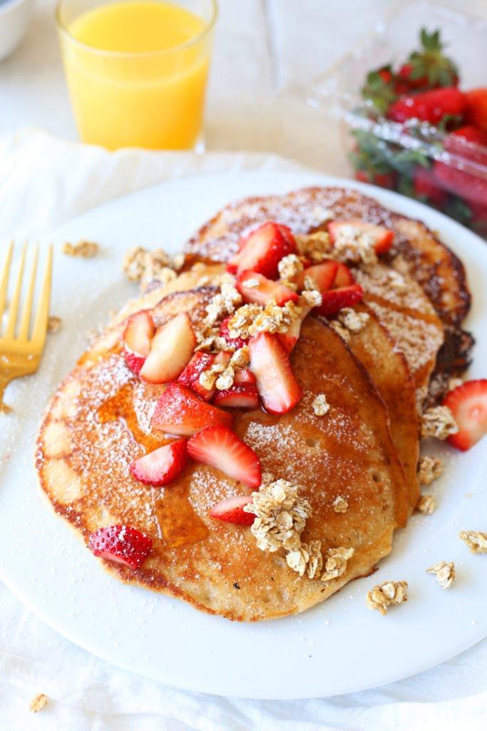 Strawberry Granola Pancakes Recipe