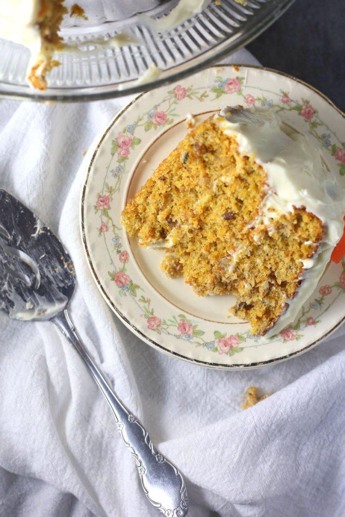 Easy and Moist Carrot Cake Recipe